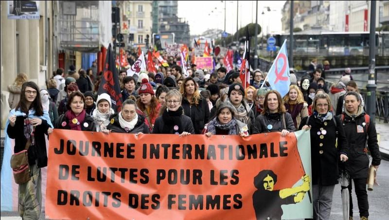 Samedi dans quel pays d'Europe, des manifestations ont-elles eu lieu contre les violences conjugales ?