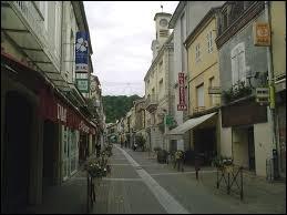 Nous commençons cette balade en Nouvelle-Aquitaine, à Aire-sur-l'Adour. Nous sommes dans une ville du département ...