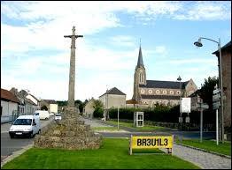 Nous reprenons la route, qui nous mène dans les Hauts-de-France, à Épécamps. Avec ses 5 habitants, le plus petit village de l'ancienne région Picardie se situe dans le département ...