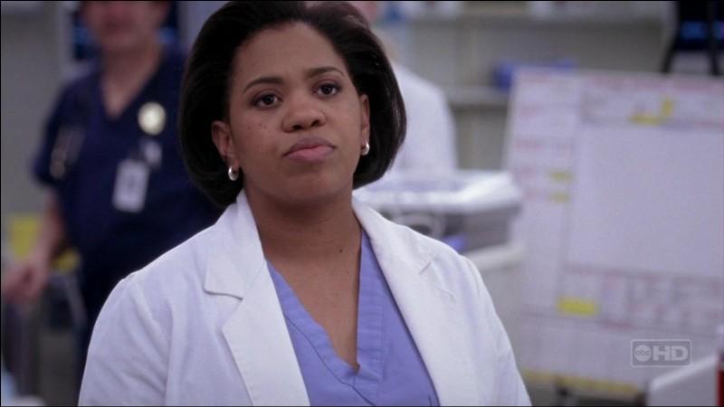 Dans la saison 4, un jeune patient est coincé dans du béton après avoir sauté dedans.. Bailey sent qu'ils n'ont pas pensé à tout. Soudain, un élément lui permet de réaliser qu'ils ont oublié de s'occuper de sa vessie. Quel est cet élément ?
