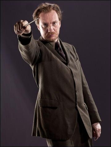 Remus Lupin est...