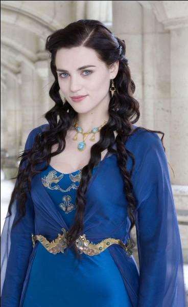 Quel est le prénom de la fille de Rowena Serdaigle ?