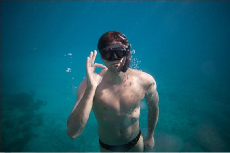 Combien de minutes sous l'eau a tenu le recordman du monde nommé Vendrell ?