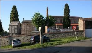 Nous sommes en Occitanie, à Capens. Commune de l'aire urbaine Toulousaine, elle se situe dans le département ...