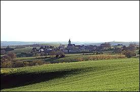 Commune de l'arrondissement de Millau, Saint-Jean-Delnous se situe dans le département ...