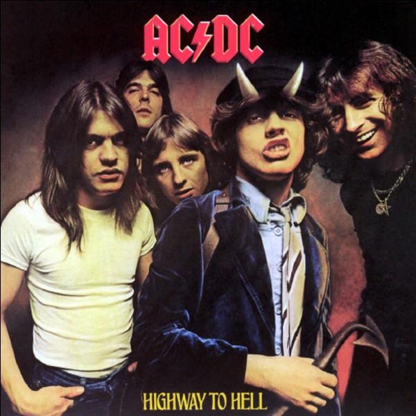 Quel est le premier album (dans le classement) d'AC/DC ?