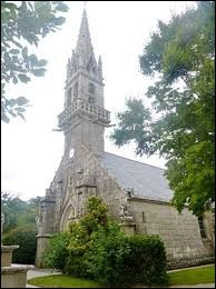 Nous sommes dans l'arrondissement de Quimper devant l'église Saint-Gunthiern de Langolen. C'est une commune bretonne située dans le département ...