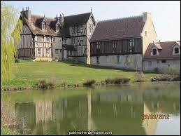 Ancienne commune normande, Omméel se situe dans le département ...