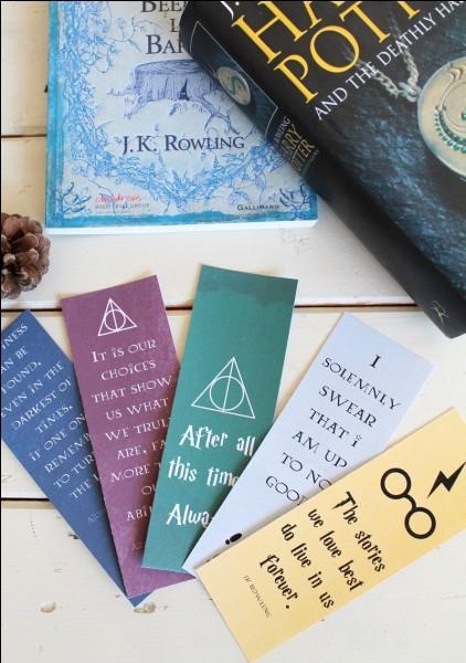 Dans quel tome, Harry et ses amis arrivent-ils en barque à l'école de sorcellerie Poudlard ?