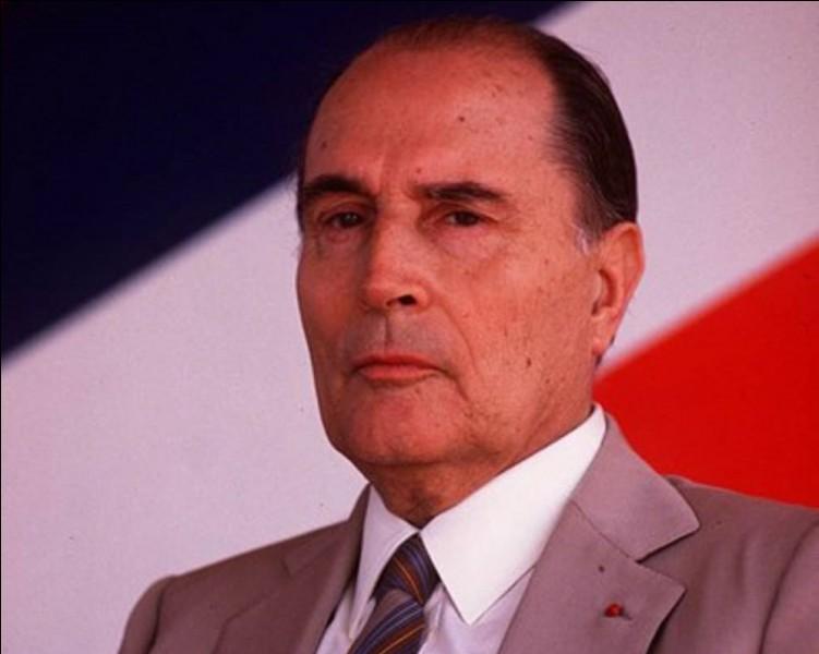 Combien de septennats François Mitterrand a-t-il exercés à la tête de la France ?