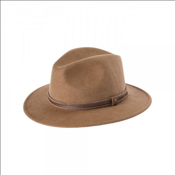 Dans Smooth Criminal, il portait un chapeau...
