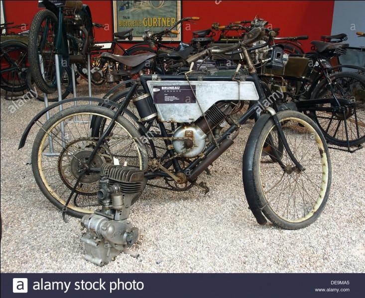 """""""Le Voleur de bicyclette"""" est un film réalisé par Roberto Rossellini."""