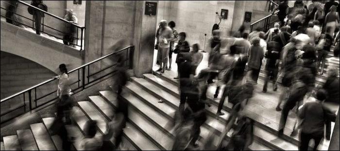 Quel nom donne-t-on à la phobie des lieux publics, de la foule?