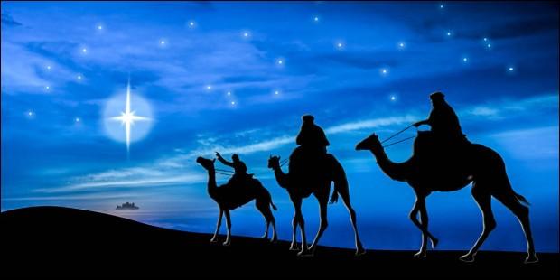 Ils viennent d'Orient et arrivent auprès de l'enfant Jésus, guidés par l'étoile du Berger, qui n'est autre que la planète Vénus.