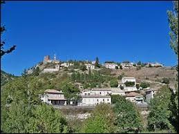 Petit village Drômois de 60 habitants, Verclause se situe en région ...