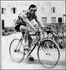 Vainqueur en 1924 et 1925, il est le premier Italien à remporter l'épreuve. C'est ...
