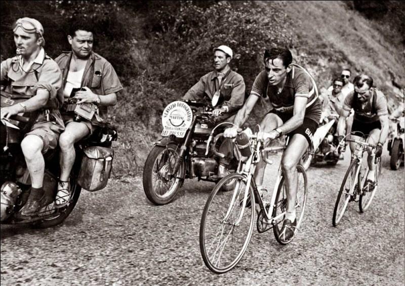 Cet Italien, en remportant le Tour en 1949 et en 1952, est le premier à réaliser, à deux reprises, le doublé Tour d'Italie-Tour de France la même année. C'est ...