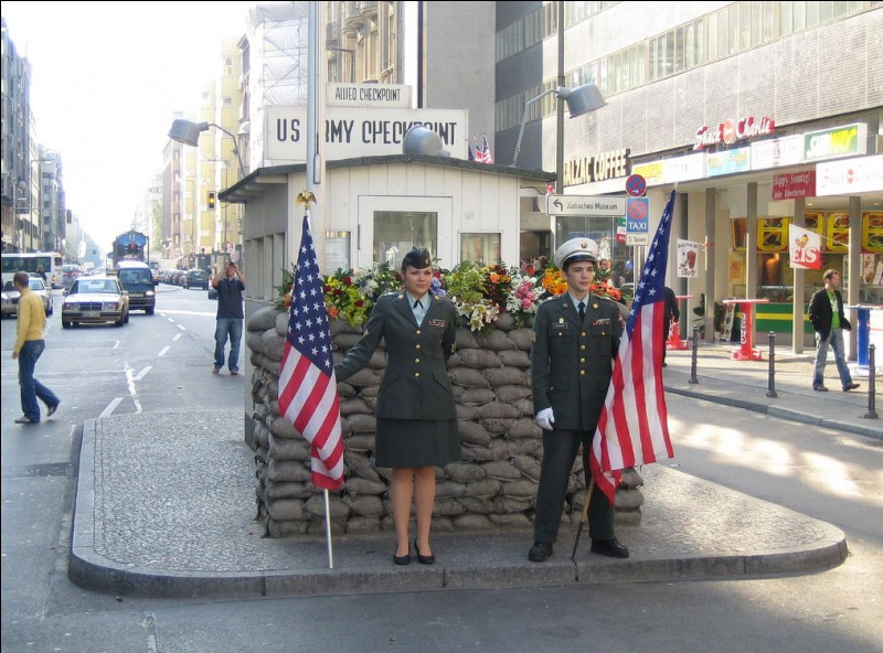 Le Checkpoint Charlie :