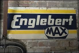Quelle spécialité a fait la renommée mondiale de l'entreprise de la famille Englebert, fondée en 1877 dans le quartier des Vennes à Liège ?