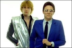 ''Video Killed the Radio Star'' est un titre du groupe Buggles. Quel chanteur a interprété la version française ''Qui est ce grand corbeau noir ? '' ?