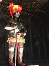 Ce pape revêtu cette armure, fondateur en 1505 de la nouvelle basilique Saint-Pierre et de la garde Suisse. Qui est-il ?