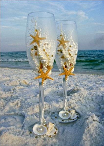 """Et pour conserver une ambiance de fête, que signifie """"sabler le champagne"""" ?"""