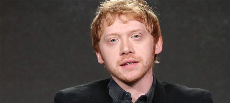C'est Rupert Grint qui incarne Ron Weasley dans ''Harry Potter''.