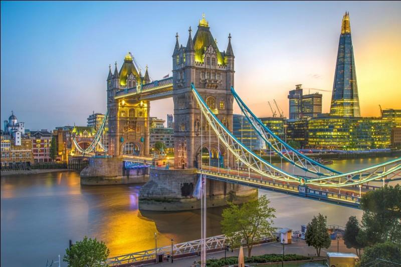 Londres est la capitale de l'Angleterre.