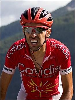 Il est Espagnol ; il compte 10 participations au Tour de France ; il a remporté une étape à la Vuelta en 2014.Il s'appelle Daniel...