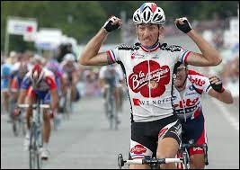 Originaire de Montauban ; il a été champion de France sur route en 2001 et 2003 ; il a participé 13 fois au Tour de France et remporté une étape en 1997.Il s'appelle Didier...
