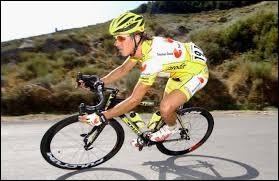 Coureur espagnol ; il a remporté le Tour de Catalogne en 2006 ; il a participé 5 fois au Tour de France ; il est décédé en 2016 lors d'une course cyclotrouriste.Il fallait reconnaître David...