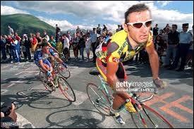 Coureur cycliste italien ; professionnel de 1987 à 1997 ; il a pris part à trois éditions du Tour de France.Il s'appelle Marco...