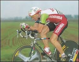 Il est né à Toul ; professionnel de 1989 à 1997 ;il a participé 5 fois au Tour de France.Il s'agit de Pascal...
