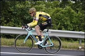 Cycliste belge, membre de l'équipe Jumbo-Visma ; professionnel depuis 2016 ; champion du monde du contre-la-montre par équipe en 2018 ; il participe à son premier Tour de France en 2019.Il s'appelle Laurens...