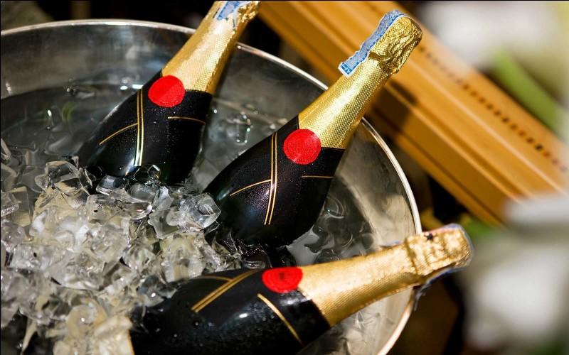 """Pour Champomy, """"Sans alcool, la fête est plus ..."""""""