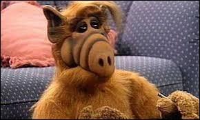 Quel acteur de petite taille (83 cm) d'origine hongroise a endossé le costume de l'extraterrestre Alf de 1986 à 1995 ?