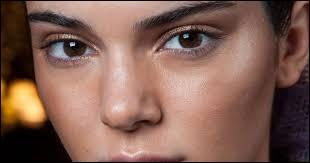 Quelle couleur correspond à des yeux noisette ?