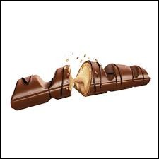 Quel produit Kinder est une barre chocolatée fourrée de crème de noisette ?