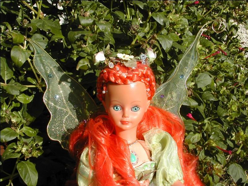 Cette poupée est une poupée Bella à la base. Sa créatrice l'a nommée Orasée mais qui était la poupée d'origine ?