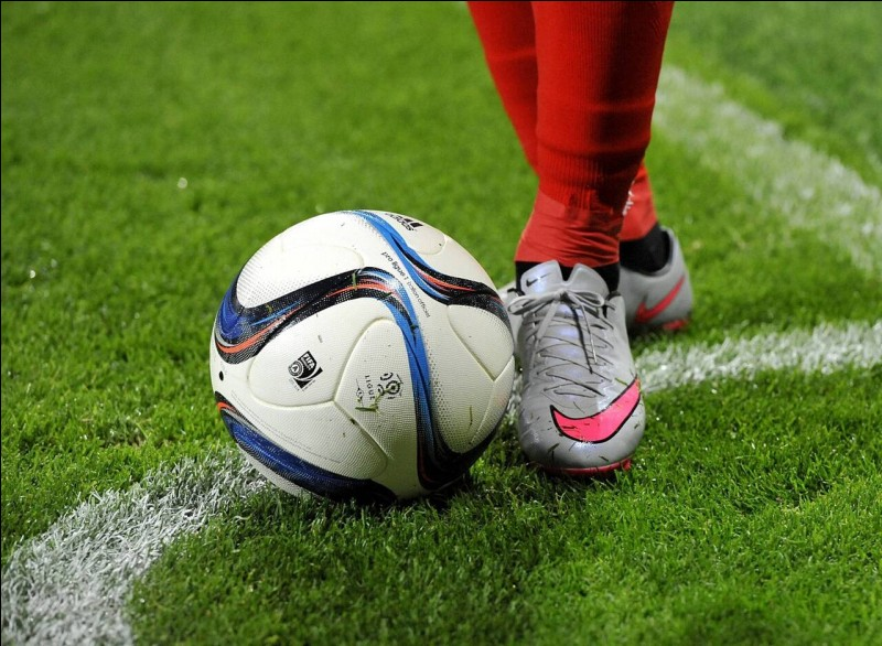 Quelle équipe de foot est actuellement première du classement FIFA ?
