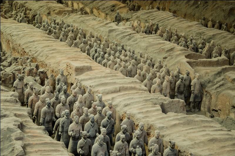 Impressionnante vision de l'armée de terre cuite ! Nous sommes à Xi An en Chine, quel est ce mausolée datant du 3e siècle avant J.C ?