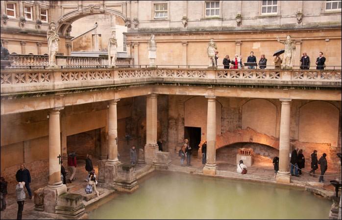 Où peut-on découvrir les thermes romains de Bath ?