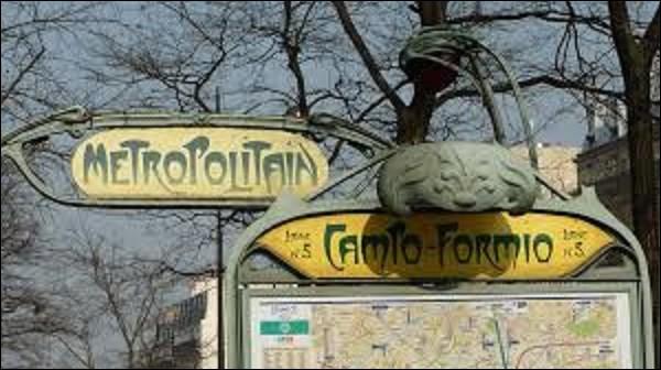 Ouverte le 6 juin 1906 sur la ligne 5, la station ''Campo-Formio'' doit son nom à une rue proche de cette bouche de métro. Rendant hommage à la ville italienne de Campoformido, anciennement Campo-Formio, ce bourg vit le 18 octobre 1797 un traité de paix entre l'Autriche et Bonaparte se signer. Dans quelle région d'Italie se situe cette commune ?