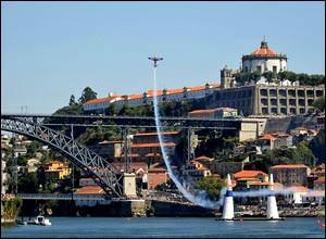 Quelle est cette ville qui a déjà accueilli quatre fois le championnat du monde de course aérienne ?