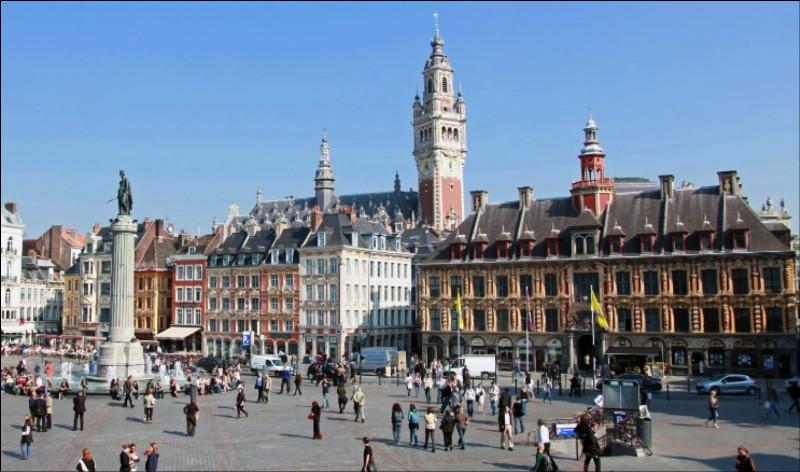 Lille compte plus de 200 000 habitants.