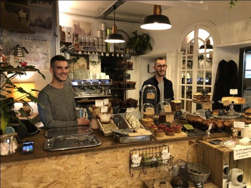 """""""Fox"""" compte deux salons coffe shop à Metz :"""