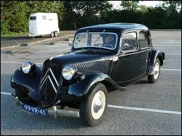 Comme se nomme cette voiture emblématique de la marque ?