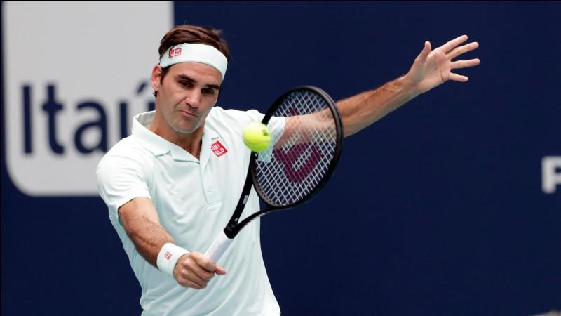 C'est un tennisman suisse :