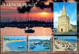 Un ami vous envoie une carte postale de ses vacances à Larmor-Plage. Station balnéaire bretonne sur la côte des Mégalithes, dans l'agglomération Lorientaise, elle se situe dans le département ...