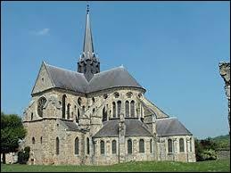 Vous avez sur cette image l'abbatiale Saint-Pierre-et-Saint-Paul d'Orbais-l'Abbaye. Village de l'arrondissement d'Épernay, il se situe dans le département ...
